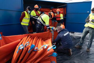 Puesta en marcha de equipos - Oil spill solutions