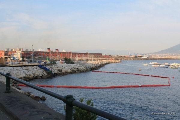 Barrera antimedusas mar